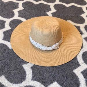Francesca's floppy sun hat